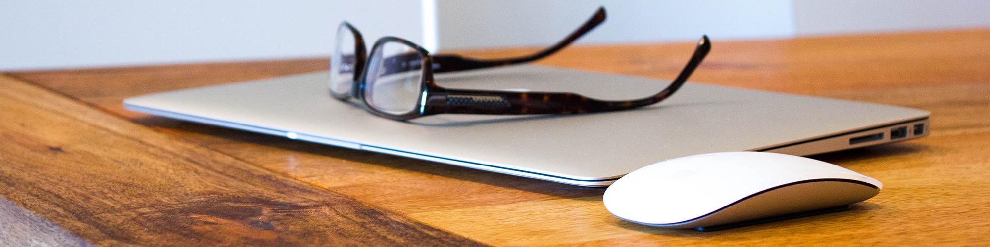 Desk11.jpg